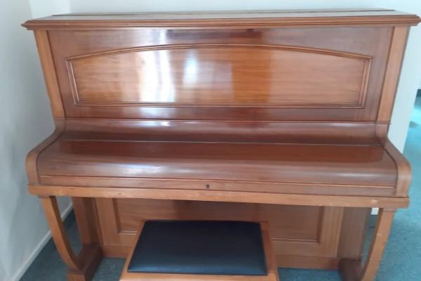 Harper London Upright Piano.