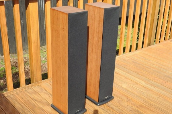 Polk Audio High Fidelity Speakers, Made in U.S.