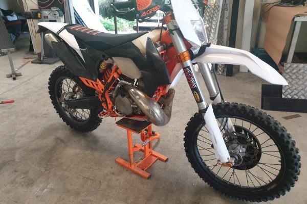 Motorcycle KTM EXC 300