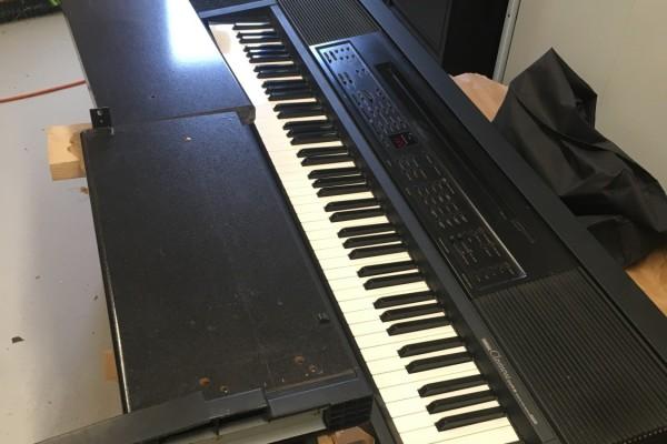 Yamaha Clavinova - dismantled for shipping, needs wrapping piano