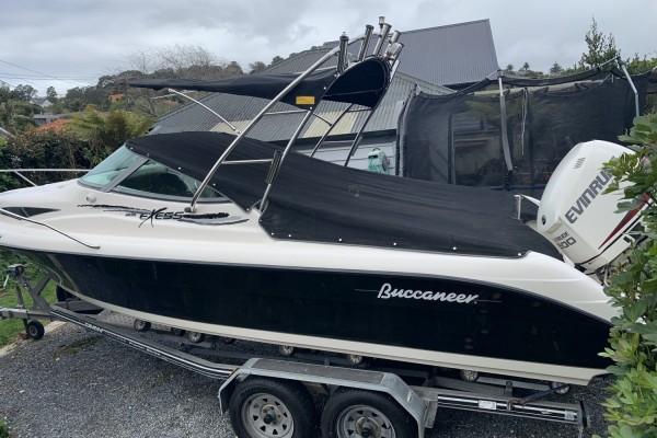 Motor boat Buccaneer 605