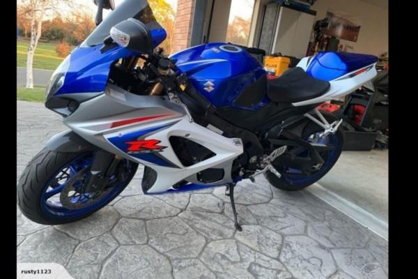Motorcycle Suzuki Gsxr1000
