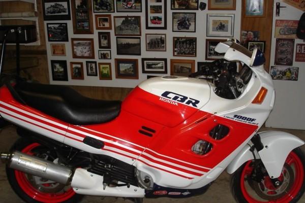 Motorcycle Honda CBR1000F