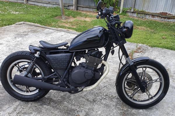 Motorcycle Suzuki Gx250