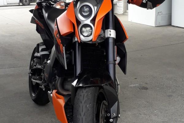 Motorcycle KTM 690 Duke