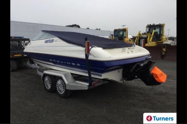 Motor boat Bayliner Capri 2052