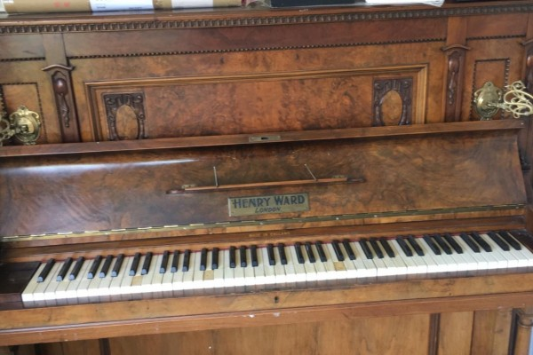 Old Henry ward piano