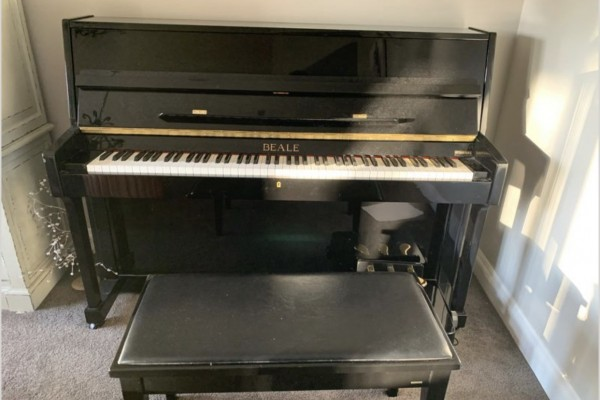 Beale UP108m piano