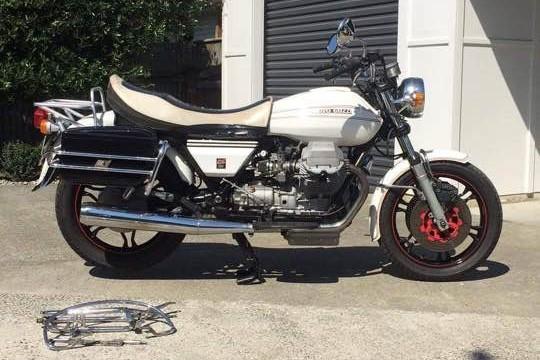 Motorcycle Moto Guzzi California 2