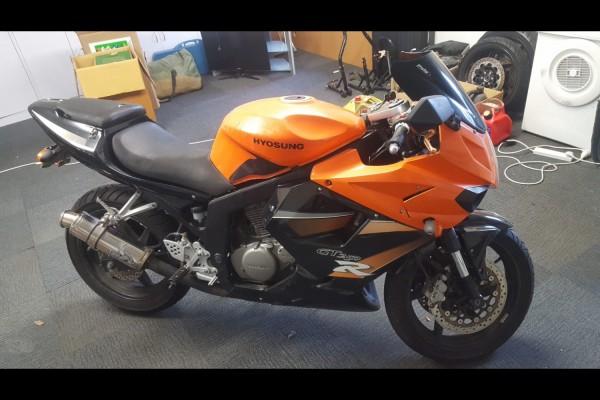 Motorcycle Hyosung GT250R